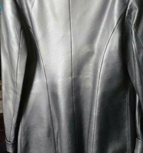 Кожаная куртка, р.44
