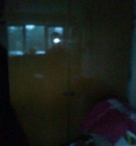Шкаф вешолка