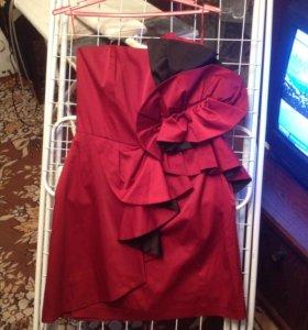 Платье нарядное 42-44р