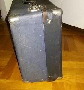Чехол чемодан для баяна старый ретро