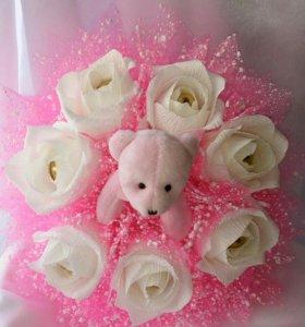 Букет с розовым мишкой