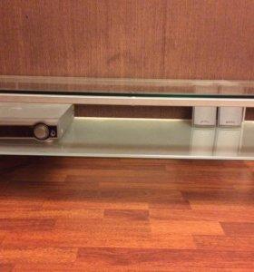 Стеклянная подставка под аппаратуру