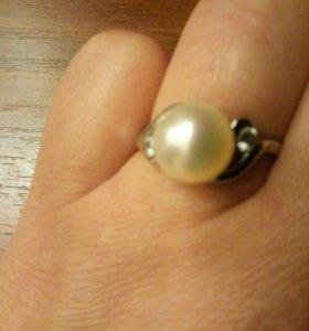 Кольцо серебро жемчуг р.17,5