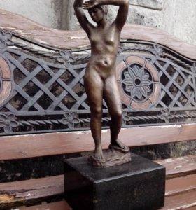 Скульптура старинная бронзовая