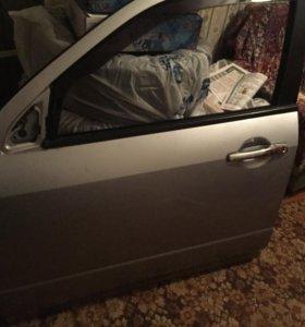 Передняя водительская дверь на outlander 2007 г.