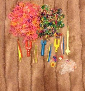 Набор разноцветных резинок,крючков и зацепок