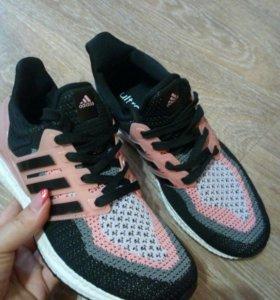Кроссовки НОВЫЕ Adidas( р.40,41)