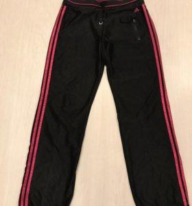 Спортивные штаны Adidas M (атласные)