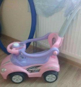 Машина детская в отличном состоянии
