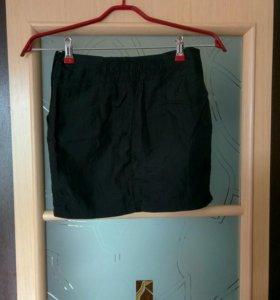 Мини юбка из блестящей плащевой ткани
