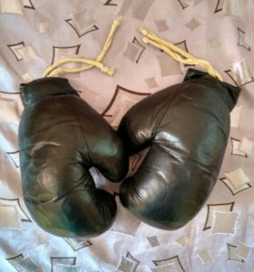 Боксёрские перчатки большие