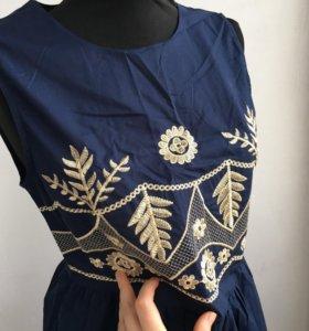 Платье с золотой вышивкой новое 💐