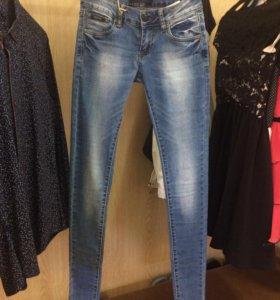 Распродажа! Новые джинсы!Размеры 25-29