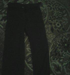 Джинсы и брюки школьные на мальчика 8-9лет