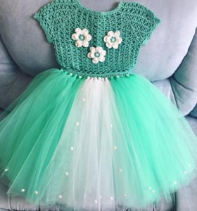 Платье пышное нарядное новое
