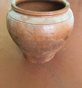 Горшок глиняный