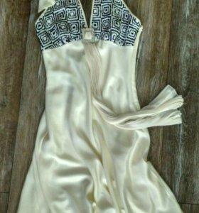 Вечернее кремовое платье