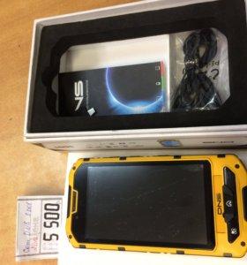 "4.3"" Смартфон DNS SD01 4 ГБ"