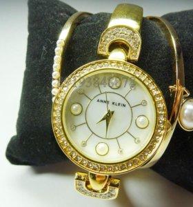 Женские часы с браслетами Anne Klein