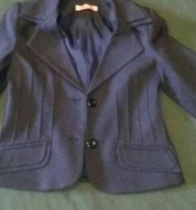 Пиджак школьный для девочки 1-2 класс