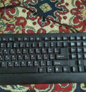Клавиатура черная,