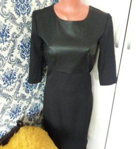 Платье с иск кожаной вставкой