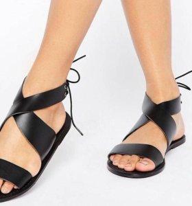 Новые кожаные сандалии 36р