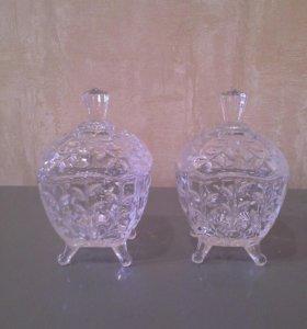 Хрустальные вазочки для варенья.
