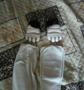 Щитки, перчатки