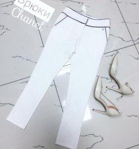 Брюки Chanel, размер М.