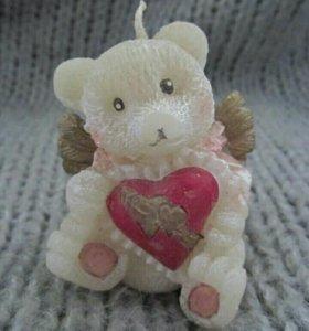 Свеча Мишка с сердцем новая