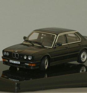 BMW M535 кузов Е28 - 1986 год - AutoArt 1/43