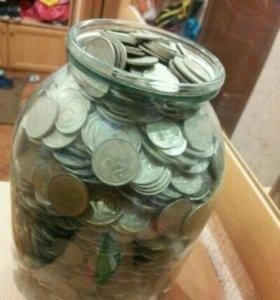 Банка с монетами СССР