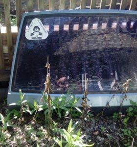 Заднее стекло с крышкой багажника ваз 09