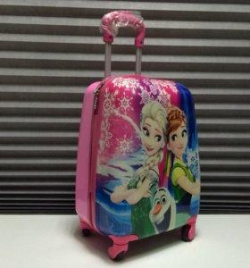 Новый детский чемодан на колесиках