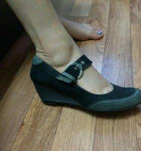 Черно-серые кожанные босоножки/сандали