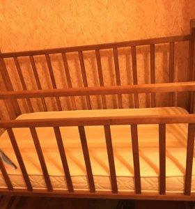 Кроватка( маятник) + матрас (возможен торг)