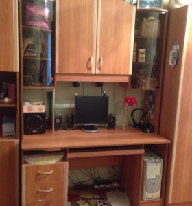 Шкаф с компьютерным столом