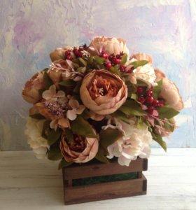 Деревянный ящичек с цветами