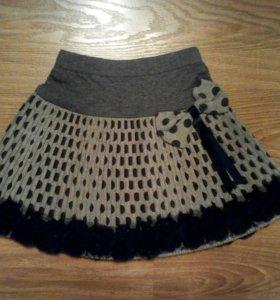 Новая, теплая юбочка с розочками.