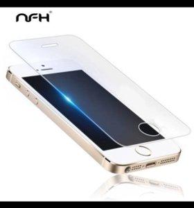 Защитное стекло на айфон 5с