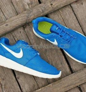 Новые женские кроссовки 1