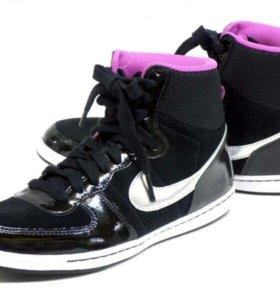Новые женские кроссовки 2