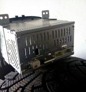 Штатная магнитола на Хендай ix35