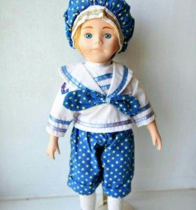"""Коллекционная фарфоровая кукла """"Мальчик-моряк"""""""