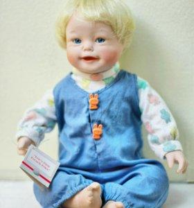 Коллекционная фарфоровая кукла McDonald's