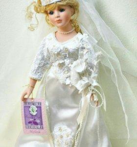 Коллекционная фарфоровая кукла Collector's choice