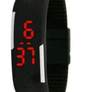 Часы силиконовые светодиодные водонепроницаемые.