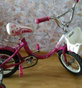 Велосипед ярко розовый для принцессы