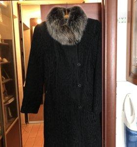 Зимнее пальто с мехом шиншиллы
